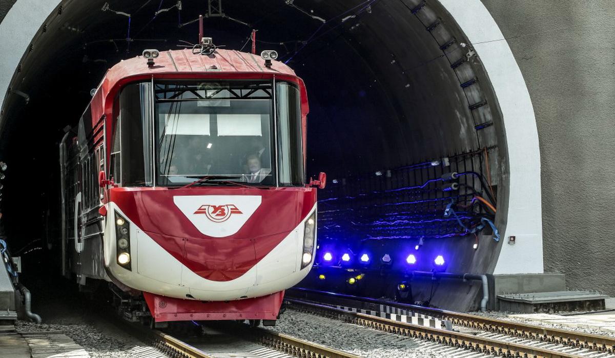 У Карпатах відкрили новий Бескидський тунель (фото+відео)