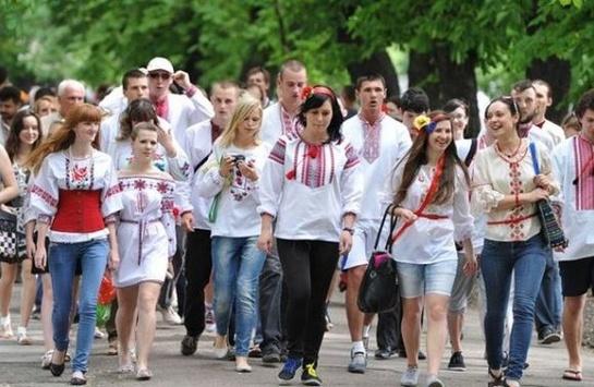В Україні відзначають День вишиванки - Главком eef1778fe8e7d