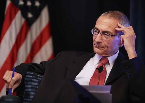 Глава штабу Клінтон заявив, щойого листування Wikileaks «злила» Росія