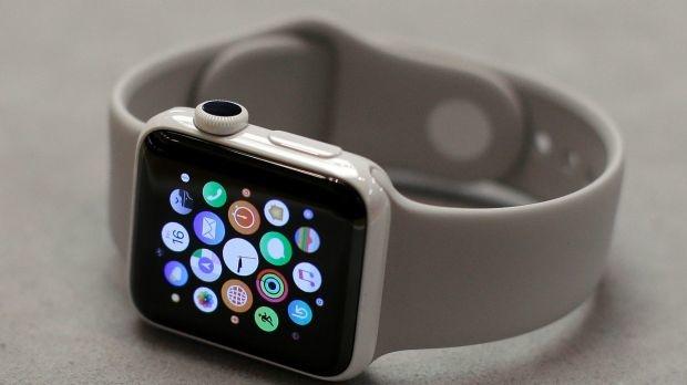 ВБританії міністрам заборонили носити Apple Watch через російських хакерів