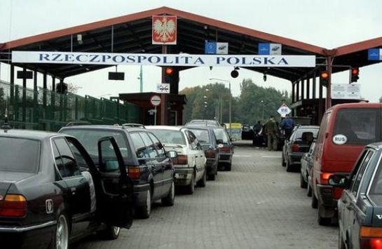 Учергах накордоні зПольщею— 640 авто