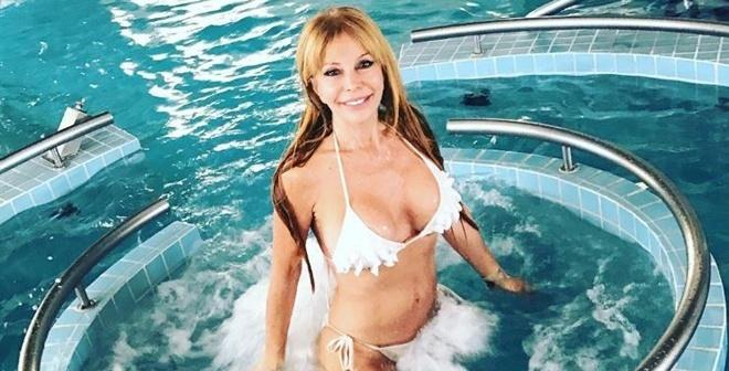 ВАргентине 64-летняя модель взорвала соцсети своими фотоснимками