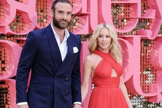 Кайли Миноуг расторгла помолвку с28-летним женихом-актером