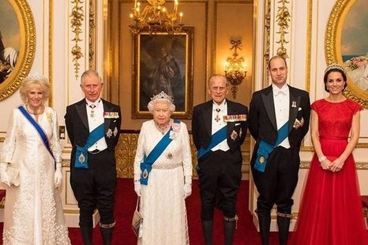 65 лет натроне: Королева Англии ЕлизаветаII отмечает «сапфировый» юбилей