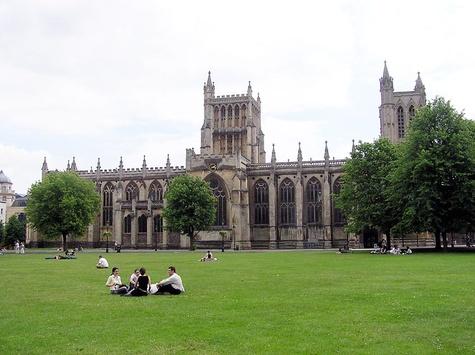 Той самий Брістольський університет, в якому начебто працюють британські псевдовчені