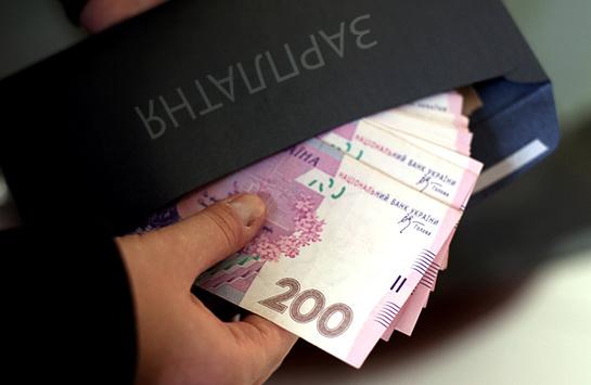 За зарплати в конвертах потрібно ввести кримінальну відповідальність - економіст