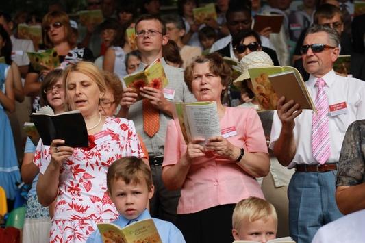 Гундяєвська РПЦ працює!: На росії через екстремізм призупинили діяльність «Свідків Єгови»