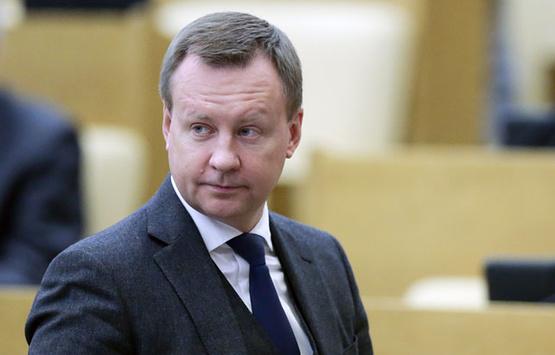 Вороненков володів цінною інформацією про корупцію у силовому блоці Кремля, – Пономарьов