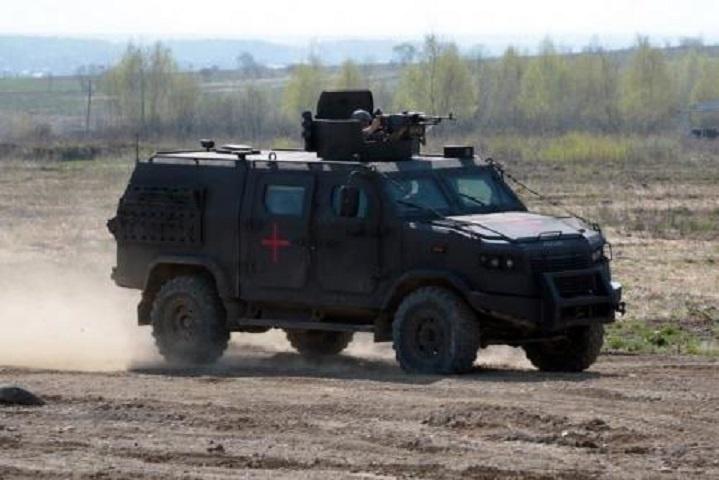 Бронеавто«Козак-5» на навчаннях