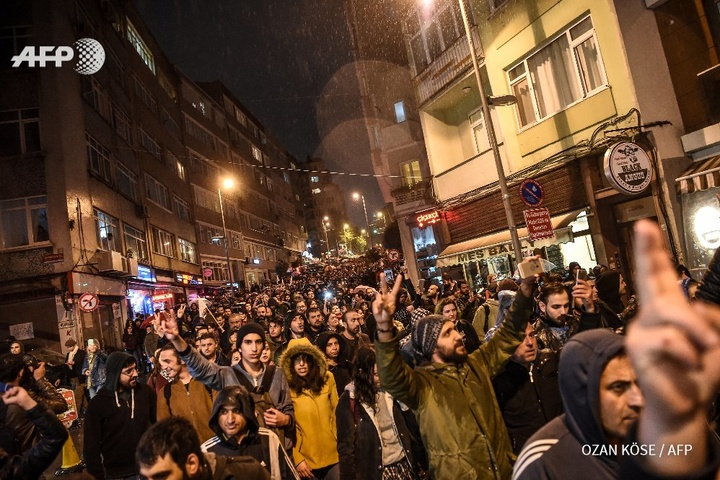 Туреччина після референдуму продовжила режим надзвичайного стану