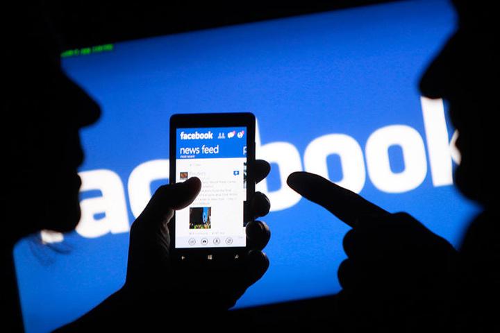 Напередодні виборів уФранції Facebook закрив 30 тисяч фейкових акаунтів