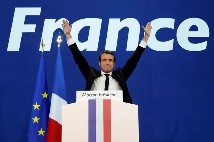 Вибори у Франції: Макрон випередив Ле Пен на 2,2% – остаточні дані