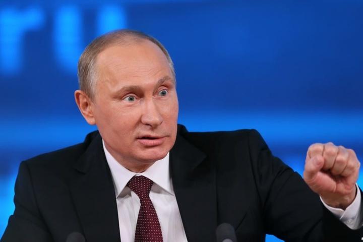 Путін злякався: будівлю приймальні президента в Москві огородили парканом