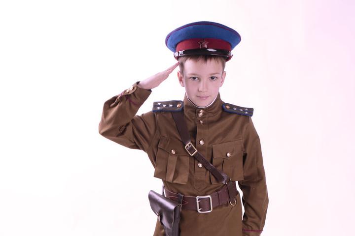 На Росії форму НКВС вже шиють для дітей