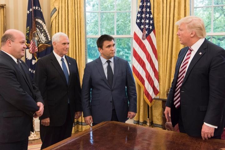 МЗС прокоментувало вірогідність зустрічі Трампа і Порошенка