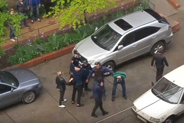 Внаслідок масової бійки вОдесі постраждав правоохоронець