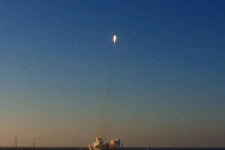 Ракета Falcon 9 вивела наорбіту шеститонний супутник
