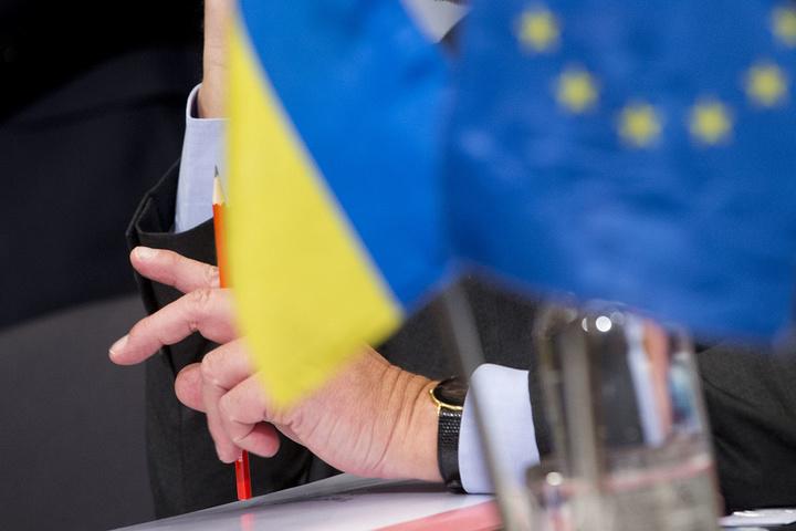 Дочекалися: у Європарламенті підписали безвіз для України