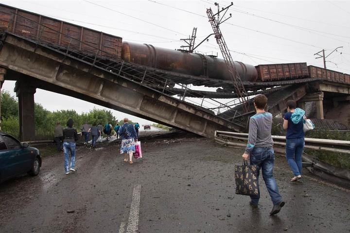 Пошкоджений міст