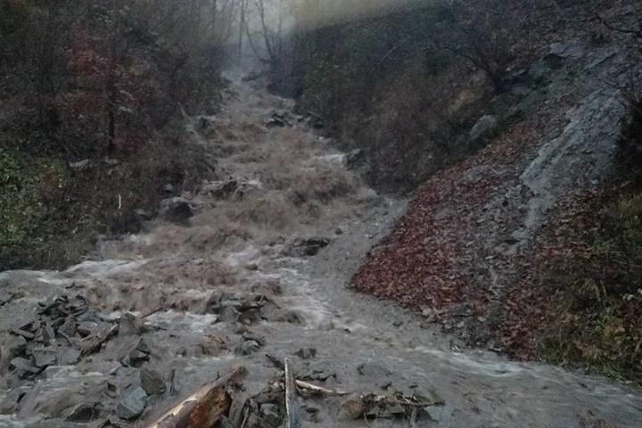 Заходу України загрожують паводки і селеві потоки через сильні дощі