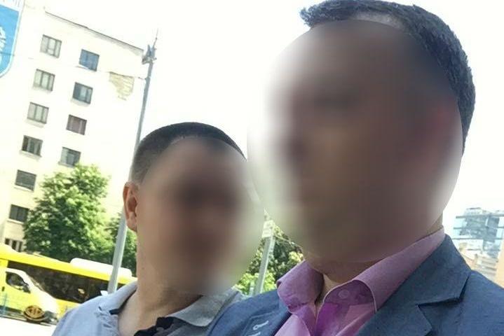 Спіймали нагарячому: чиновник із ГПУ попався нахабарі