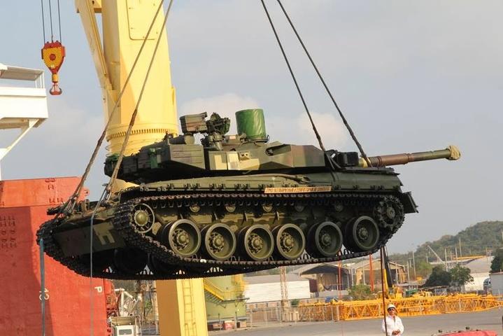 Завод Малишева відремонтував для армії 50 танків із «гарячих точок»