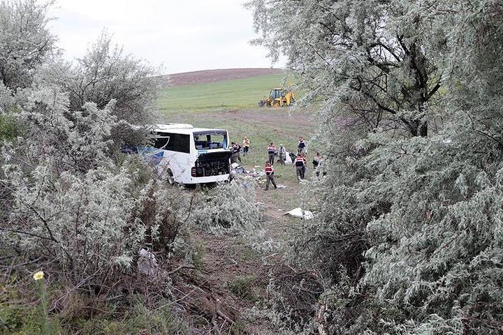 УТуреччині перекинувся пасажирський автобус— є загиблі тапоранені