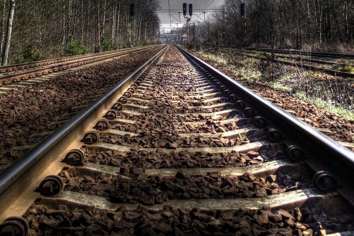 УХмельницькій області локомотив зіткнувся зпасажирським потягом, постраждали діти