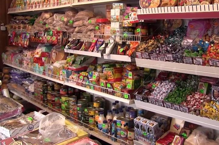 Магазин у  laquo ДНР raquo  - Ватажки «ДНР» оголосили війну українським  продуктам efbbe31abfee5