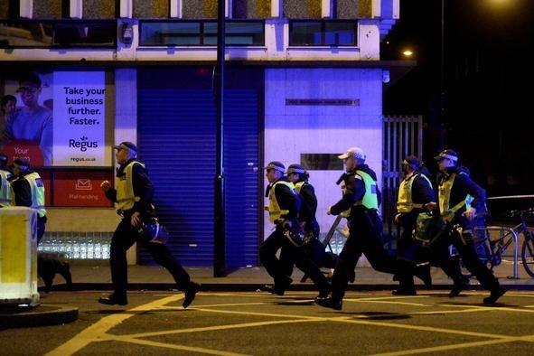 Британська поліція відпустила всіх підозрюваних упричетності доатаки наЛондонському мосту