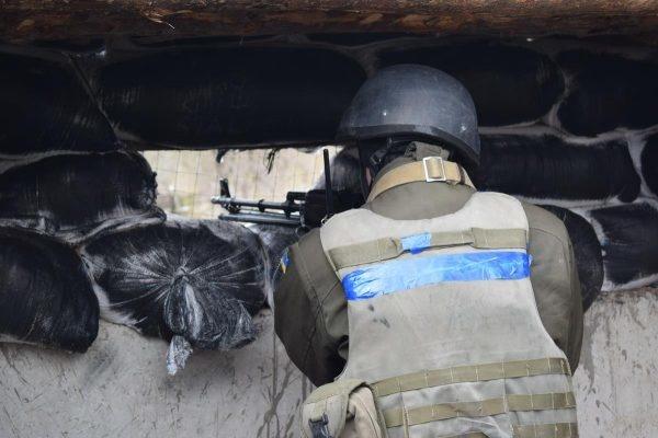 Бійці відбили атаку бойовиків наЛуганщині: ворог зазнав серйозних втрат