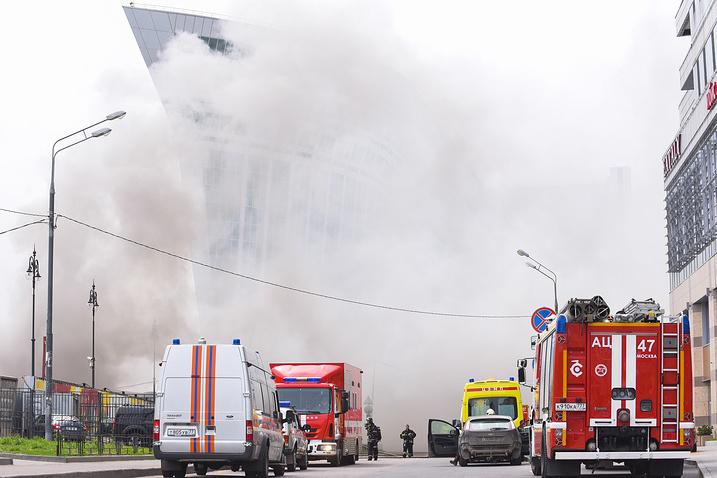 Біля Київського вокзалу вМоскві сильна пожежа, евакуювалиТЦ «Європейський»