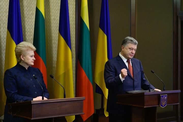 Порошенко: Ще50 українських військових пройдуть лікування вЛитві