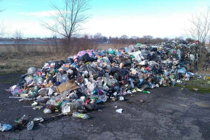 УКиївській області скинули 60 тонн львівського сміття