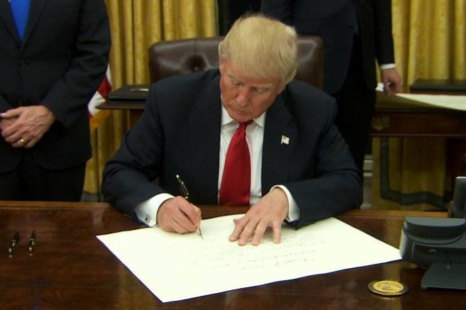 США на рік продовжили санкції проти посадовців Білорусі [ Редактировать ]
