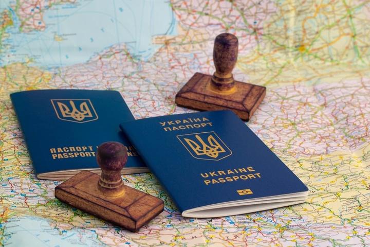 Безвізовим режимом з ЄС скористалися вже більше 2300 українців