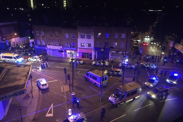 Місце інциденту біля парку Фінсбері у Лондоні - У Лондоні фургон в їхав у  натовп dc98fbff9a2ee