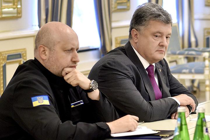Секретар РНБО Олександр Турчинов та президент України Петро Порошенко