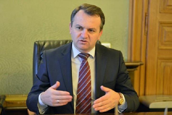 Голова Львівської ОДА: Терпець у людей вже уривається - вони просто виносять сміття на дороги