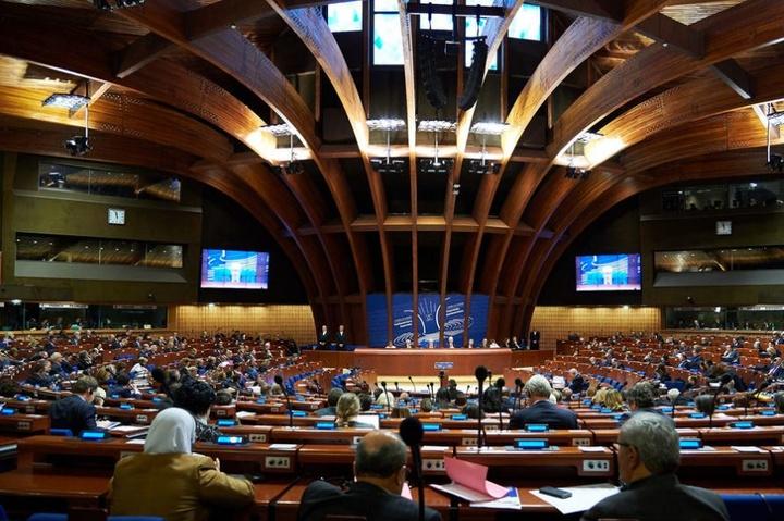 ПАРЄ схвалила рішення про процедуру відставки президента