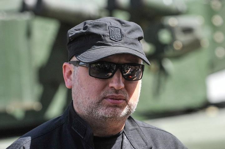Турчинов зібрав силовиків через посилення гібридної агресії Росії