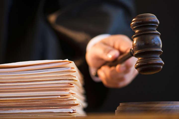 Суд арештував двох підозрюваних укорупції чиновників «Укрзалізниці»