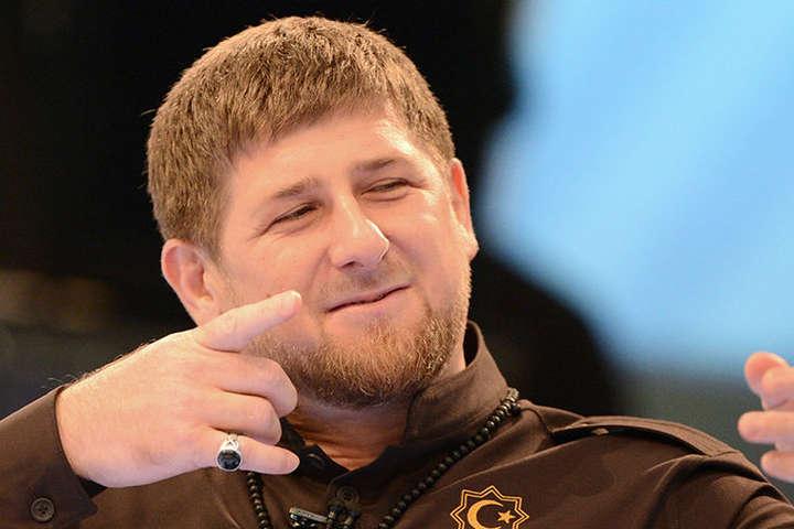 Кадиров обізвав геїв шайтанами і пригрозив весь світ «поставити раком»