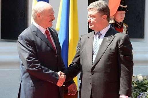 Лукашенко запевнив, щовиконає всі прохання Порошенка і Путіна