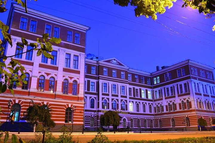 Корупція в університетах: на хабарі погорів декан з Хмельниччини