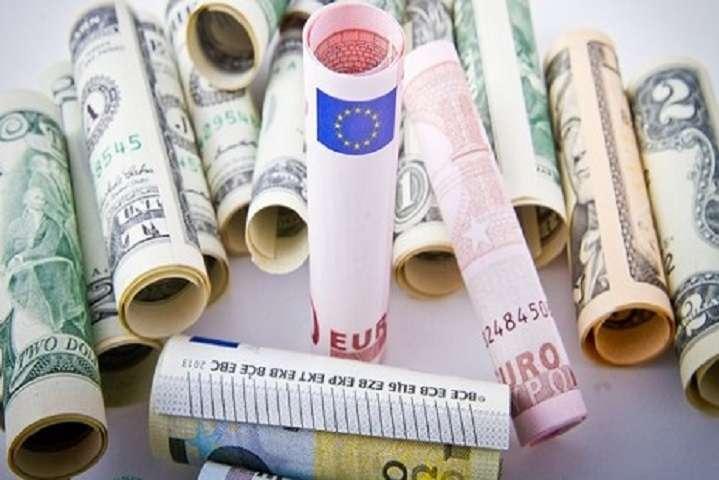 Міністр соцполітики назвав дату, коли в Україні буде зарплата в 500 євро