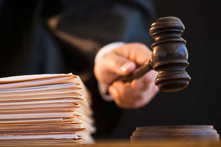 Суд обрав запобіжний захід екс-беркутівцю, підозрюваному унападі наактивістів Автомайдану