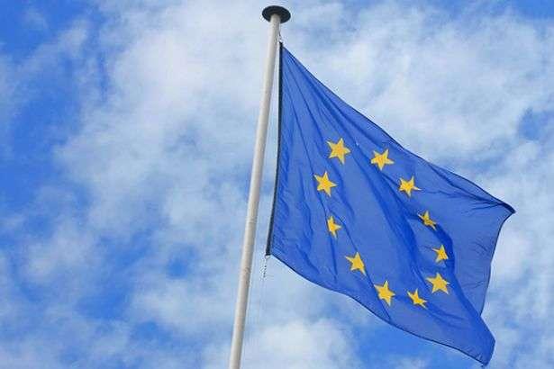Єврокомісія закликала США координувати нові санкції проти Росії