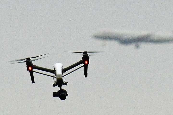 Великобританія вводить обов'язкову реєстрацію дронів
