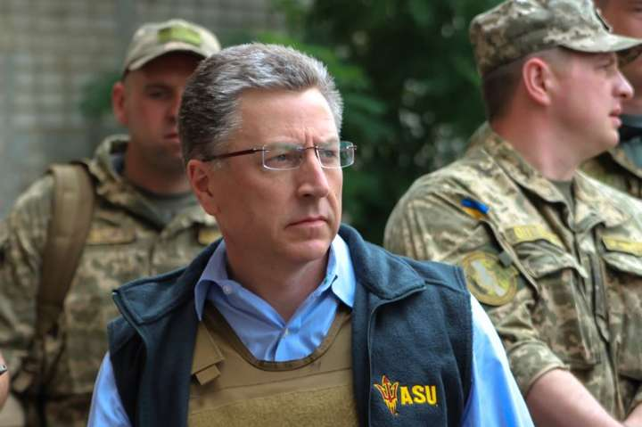 Спецпредставник США: наДонбасі триває «гаряча війна»